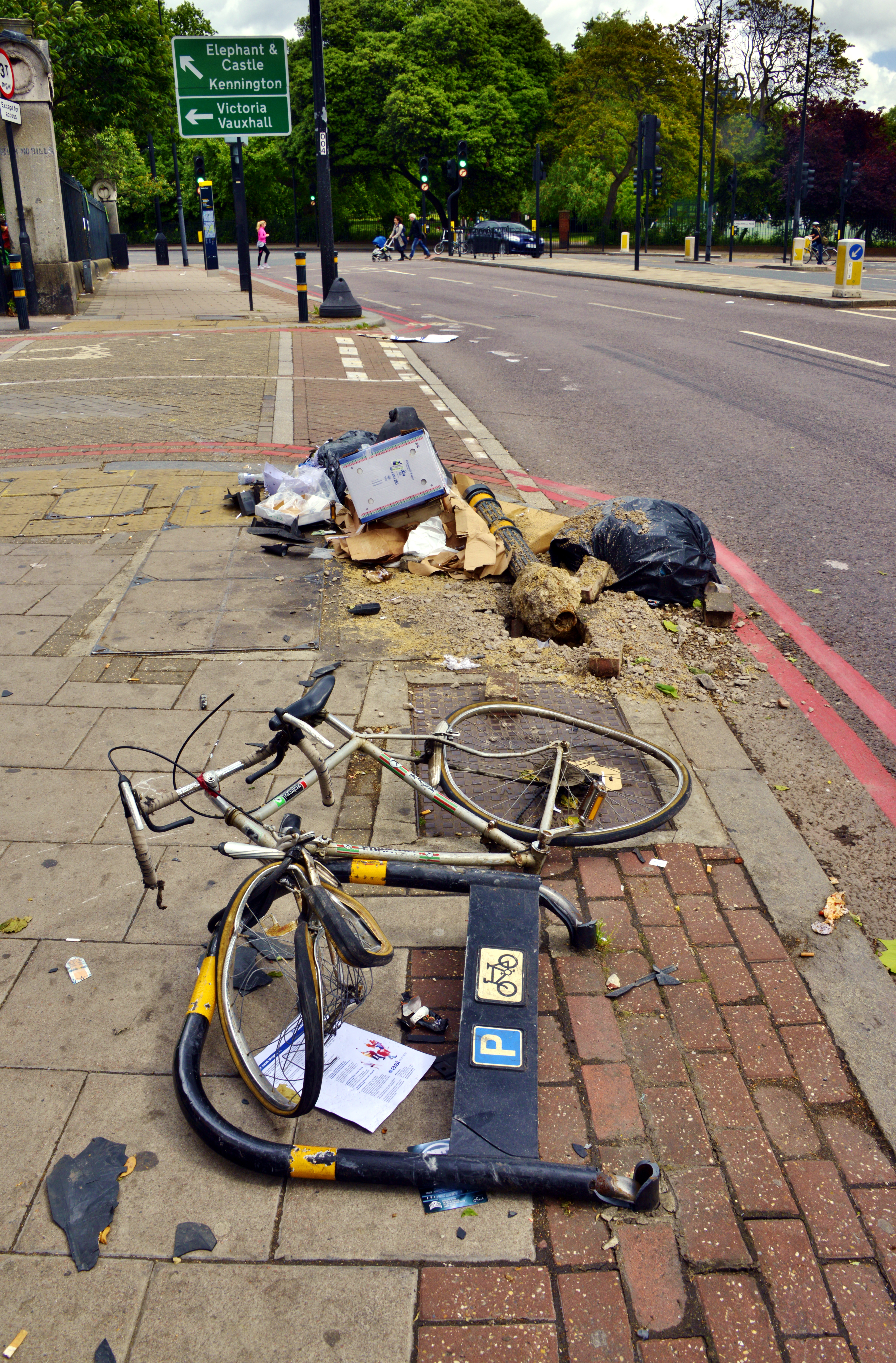 Street Clutter Clearing
